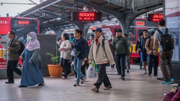 Jakarta is using traffic apps to cut travel time and boost ridership on public transport.